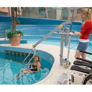 Handi-Move-Mobile-Pool-Lift